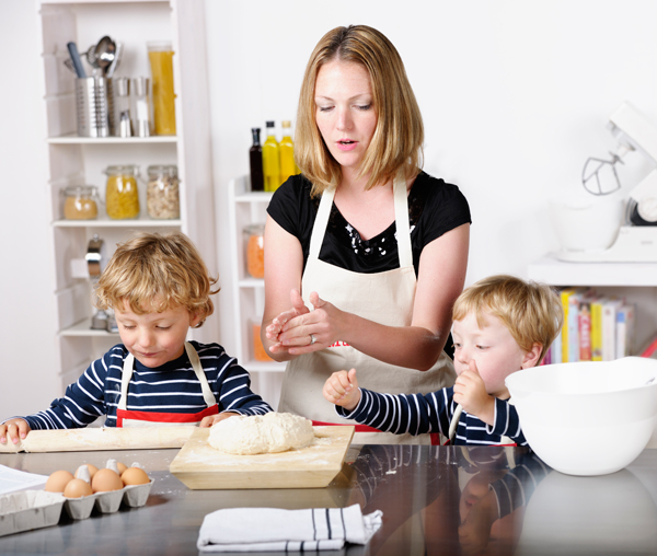 Mother-Having-Fun-Day-In-The-Kitchen-With-Twin-Boys-000019238747_Full